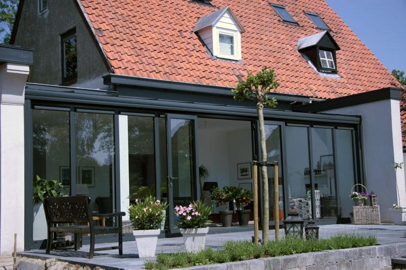 Voorbeelden tuinhuisjes blokhutten schuren vermeulen for Glazen uitbouw