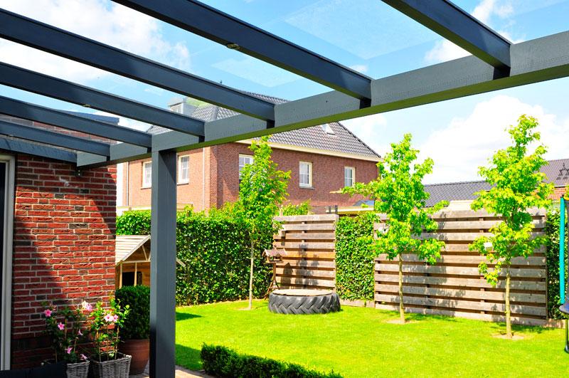 Voorbeelden veranda carport deurluifel overkapping vermeulen groessen - Veranda modern huis ...